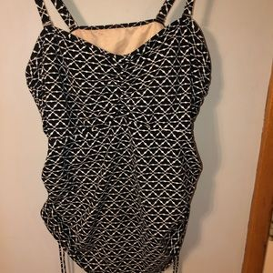 Black lands'End geometric print tankini top sz 24W